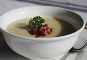 Kroupová zeleninová polévka